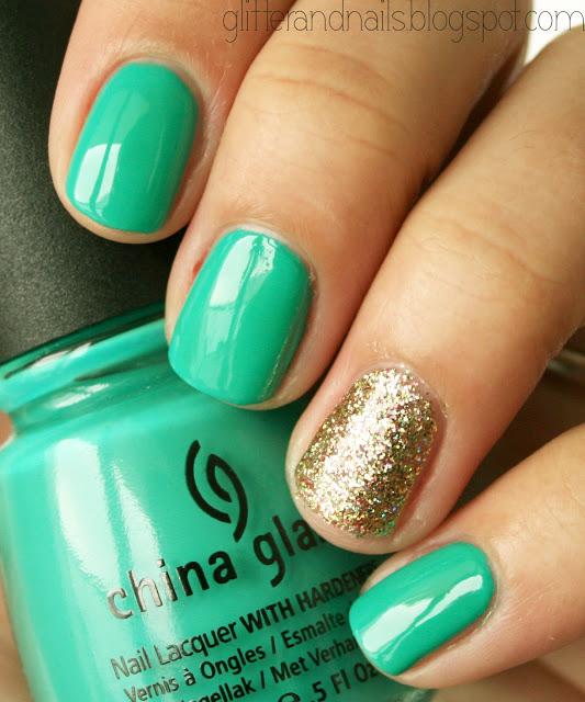 Nails Green & Gold
